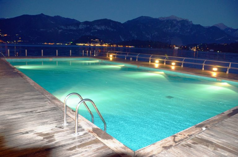 led eclairage piscine
